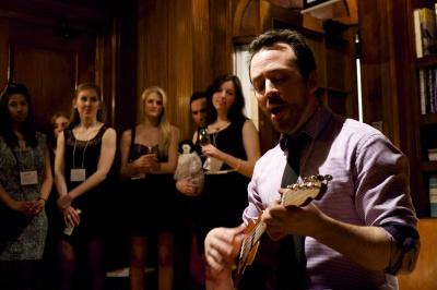 Ross serenades the room